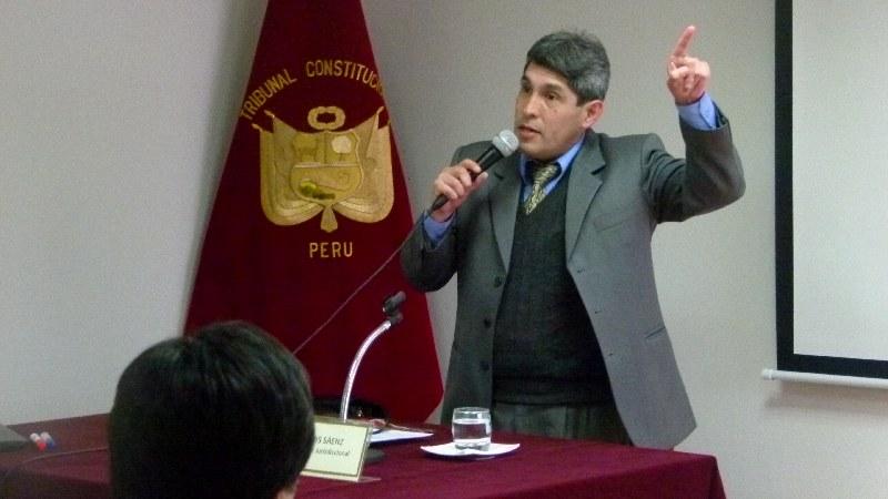 Dr. Luis Sáenz Dávalos, profesor de derecho constitucional.