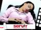 Servidora pública durmiendo en horario laboral con logo de Servir y LP