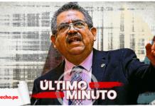 Manuel Merino de Lama con logo de lo último y LP